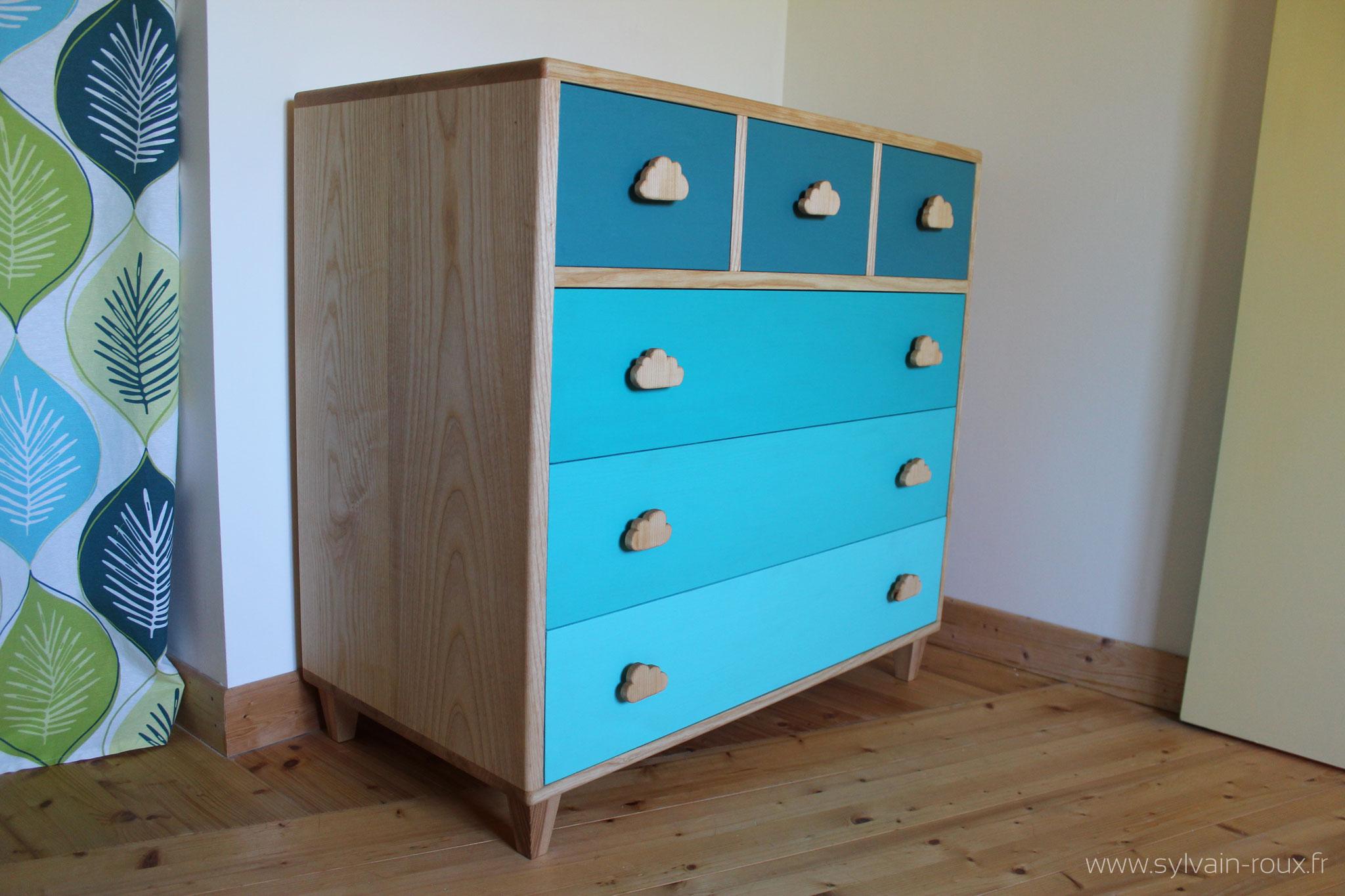une commode pour chambre d enfant au fil du rabot. Black Bedroom Furniture Sets. Home Design Ideas