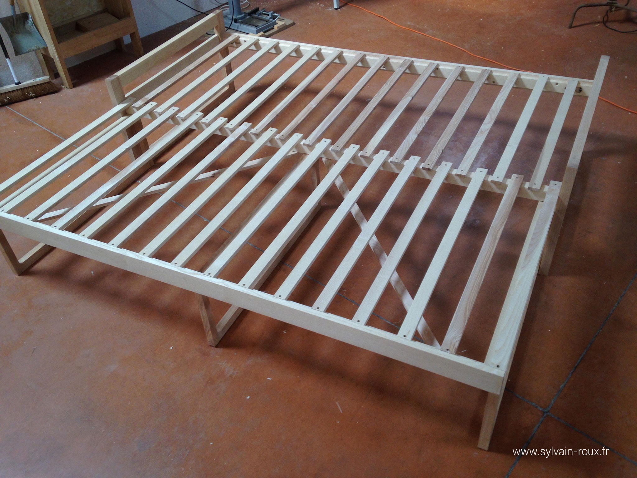 un lit extensible au fil du rabot. Black Bedroom Furniture Sets. Home Design Ideas